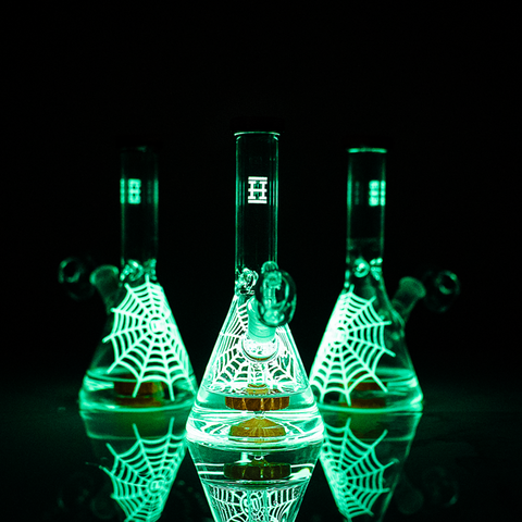 Hemper - Limited Edition Glow-In-The-Dark Beaker