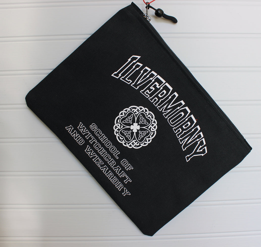 ilvermorny school - zip money makeup bag