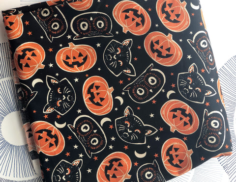 Cotton Face Mask with Filter Pocket - VINTAGE HALLOWEEN FABRIC