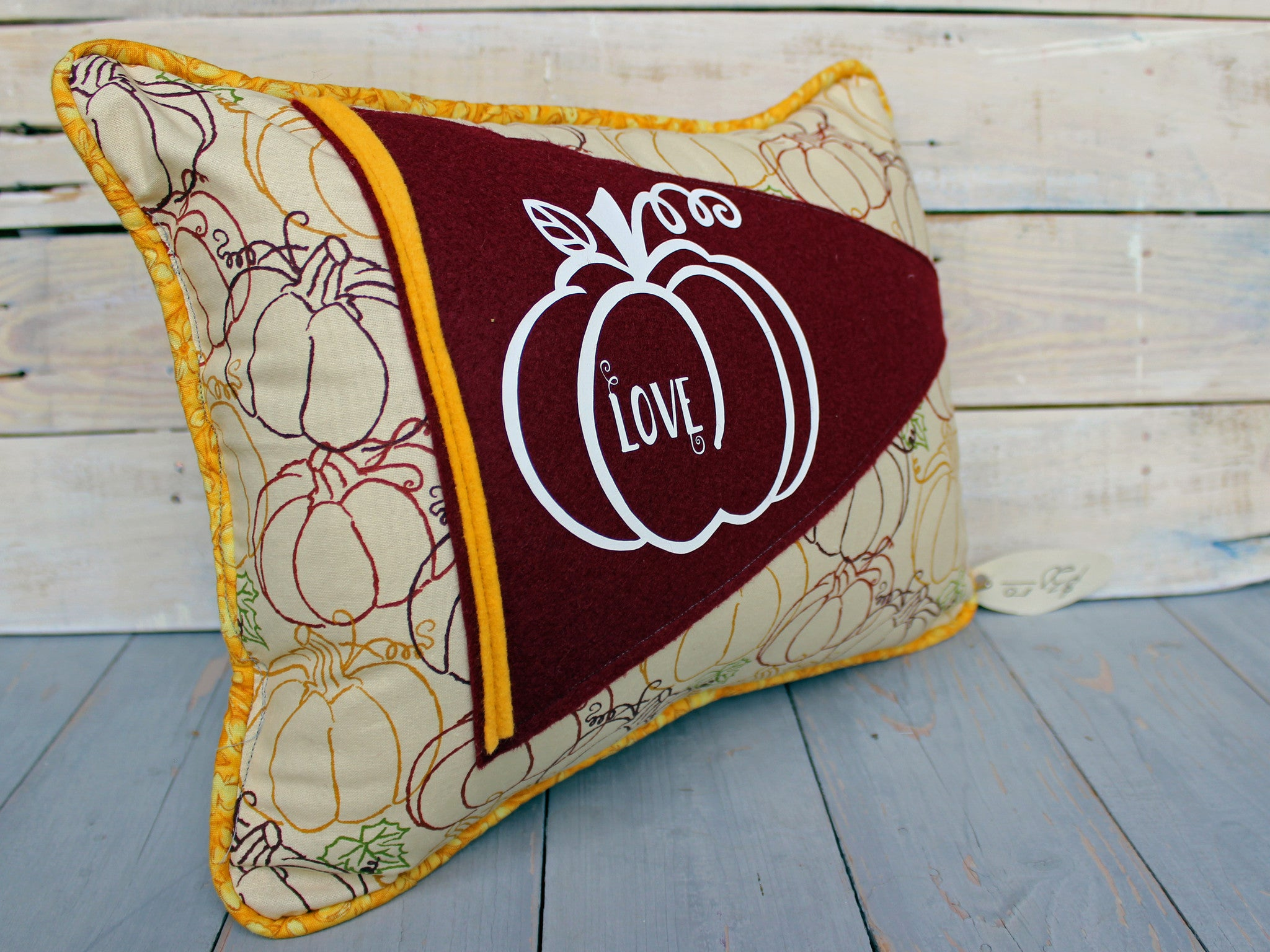 vintage style pennant pillow - pumpkin love...