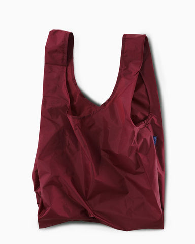 cranberry standard baggu reusable shopping bag holds up to 50lbs. can fit over shoulder. made from 40% recycled ripstop nylon