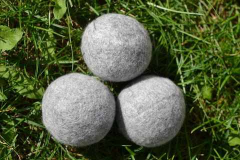 moss creek wool works, 1 barn box of 3 grey wool dryer balls