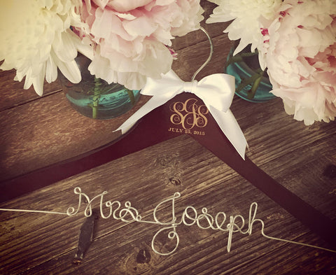Wedding Monogram Hanger, Bride Hanger, Bridal Hanger, Monogram Wedding Hanger, Vintage Wedding, Rustic Wedding, Personalized Hanger