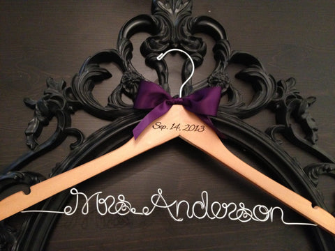 Rustic Bridal Hanger / Bride Hanger / Burned Wedding Date / Wedding Hanger / Vintage Wedding / Rustic Wedding / Personalized Hanger