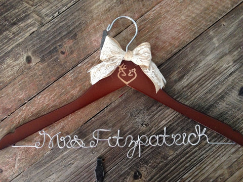 Buck and Doe Heart Wedding Hanger, Rustic Bride Hanger, Redneck Wedding, Country Wedding, Rustic Wedding, Personalized Hanger, Deer Wedding