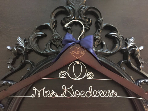 Disney Wedding Hanger / Cinderella Hanger / Disney Bridal Hanger / Bride Hanger / Personalized Hanger / Disney Bride / Fairytail Wedding