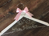 Wedding Hanger / LOVE BIRDS Bridal Hanger / Love Birds Wedding / Mrs. Hanger / Rustic Wedding Hanger / Personalized Hanger / Brides Hanger