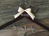 Bridal Hanger / Brides Hanger / Vintage Hanger / Name Hanger / Wedding Hanger / Personalized Bridal Gift / PEARL Wedding Date