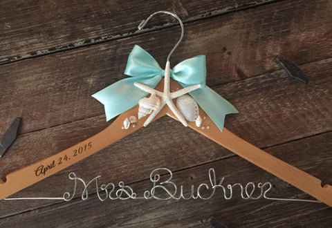 Beach Themed Bridal Hanger / Wedding Hanger / Bride Hanger / Beach Wedding / Seashell Hanger / Rustic Beach Wedding / Personalized Hanger
