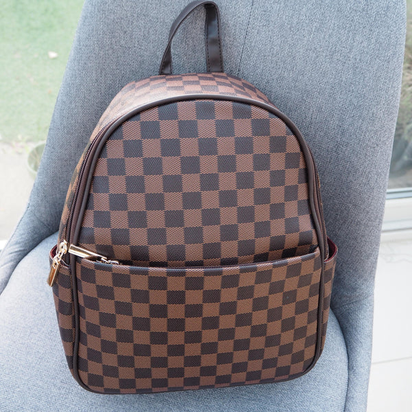 Classic Brown Backpack - Cover appeal
