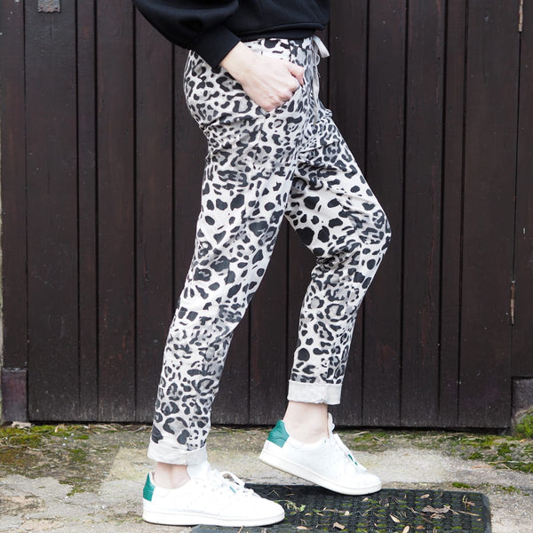 Leopard Print stretch trousers