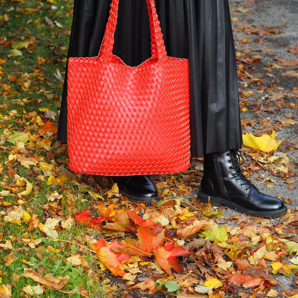red weave tote