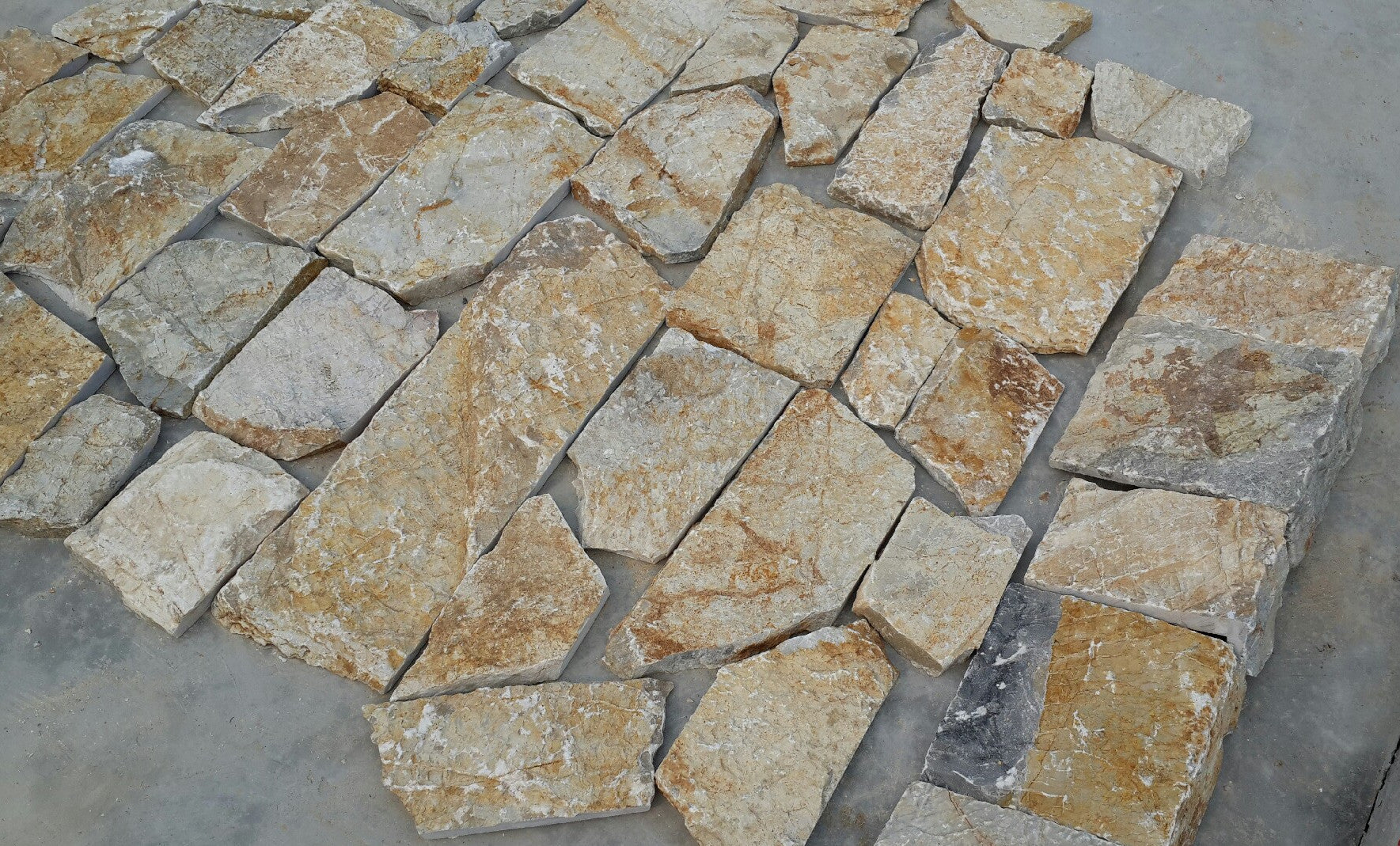 Outlaw - Rough Cut Slate cheap stone veneer clearance - Discount Stones wholesale stone veneer, cheap brick veneer, cultured stone for sale