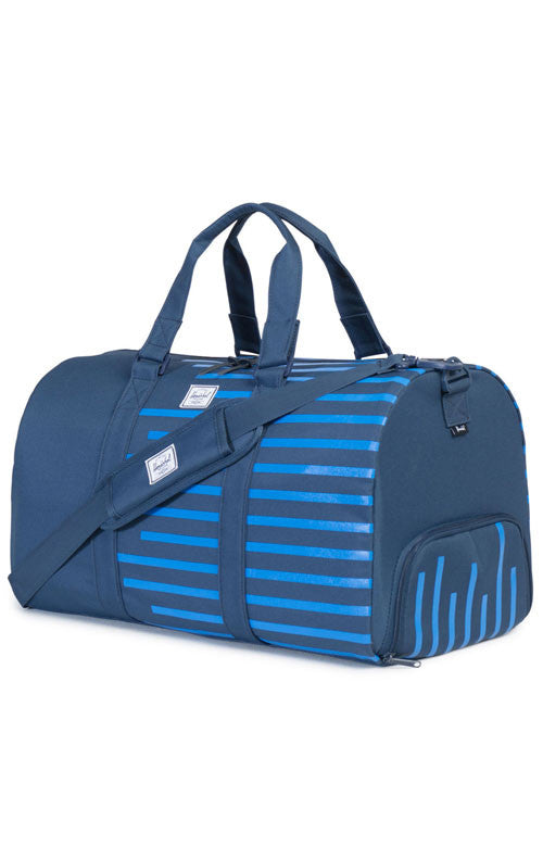 HERSCHEL - NOVEL DUFFLE (NAVY OFFSET STRIPE)