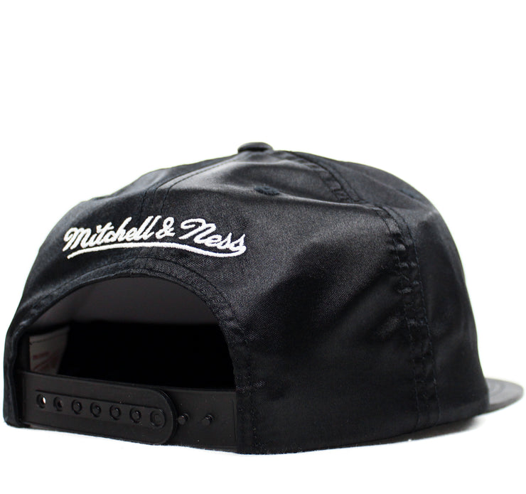 MITCHELL & NESS - SATIN ARCHED TEAM SNAPBACK (WARRIORS)