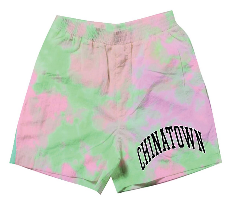 CHINATOWN MARKET - ARC LEFT SWEATSHORTS (TIE DYE PURPLE)