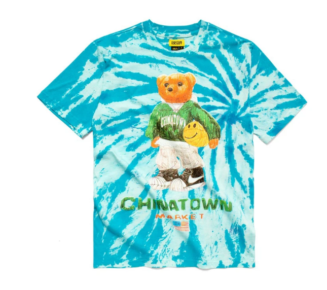 CHINATOWN MARKET - SMILEY SKETCH BASKETBALL BEAR TEE (TIE DYE)