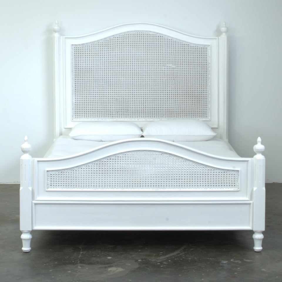 Britta Mahogany Bed - Queen
