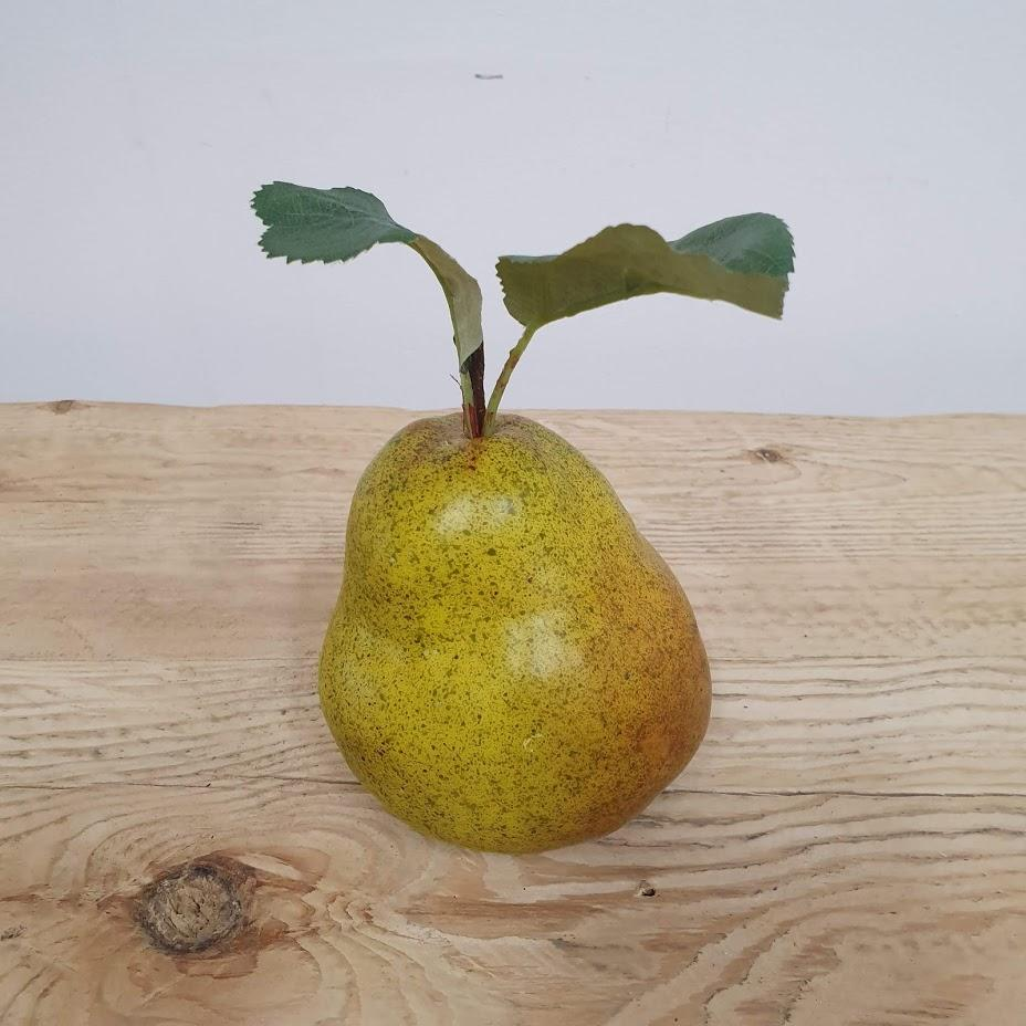 Decorative Pear - 15cm / Green - Decor