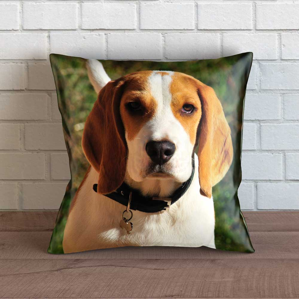 "Realistic Beagle Throw Pillow Cover - 18"" x 18"""