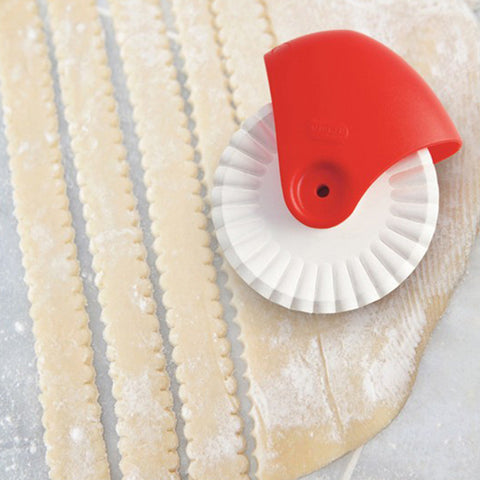 Lattice Pastry Cutter Wheel - Isabella Catalog