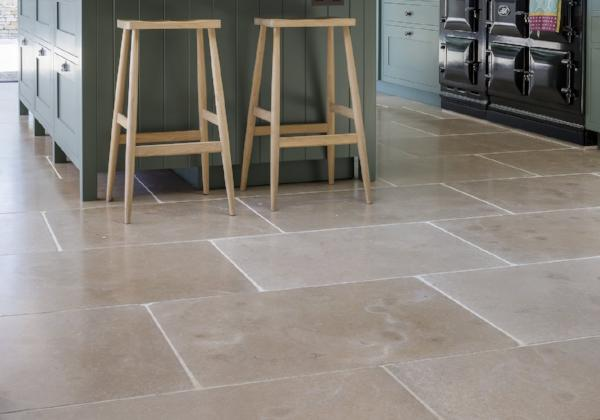 Buscot Lightly Tumbled Limestone