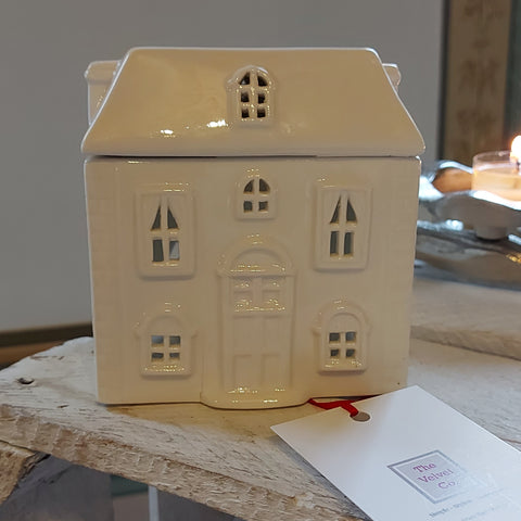Beautiful Ceramic White House Wax/Oil Warmer