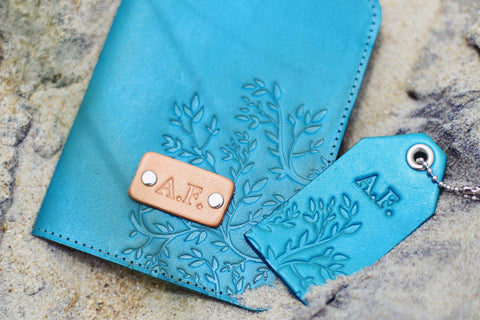Leather Passport Wallet and a Luggage Tag set, Branches