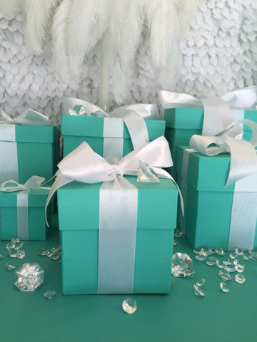 5x5 Gift Box With Ribbon