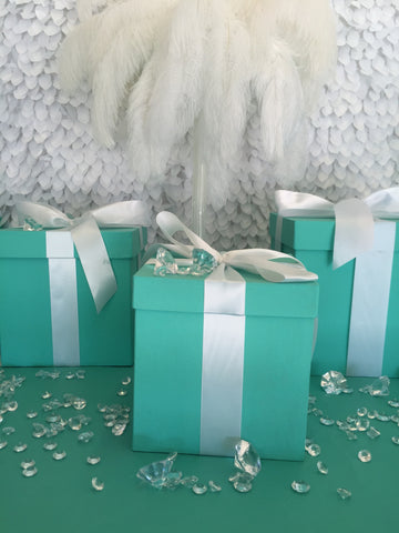 7x7 Gift Box With Ribbon