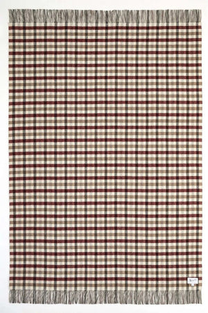 Houndstooth lambswool throw