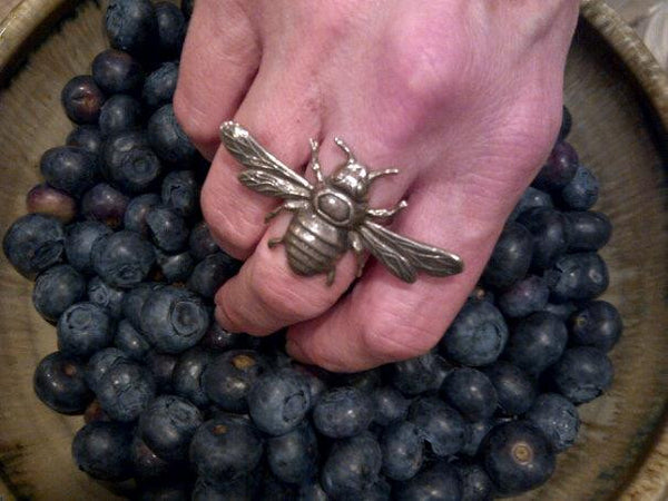 Empress Bee ring