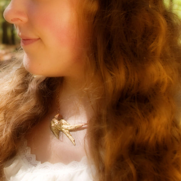 Knight&Hammer Hummingbird necklace