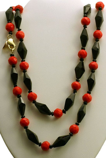 Le Mal Afrique Victorian Red & Black Glass beads necklace/bracelet
