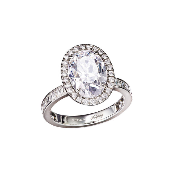 Ring Oval-Cut White Diamond