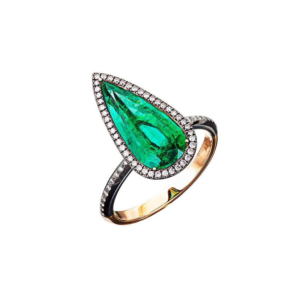 Ring Pearshape Emerald