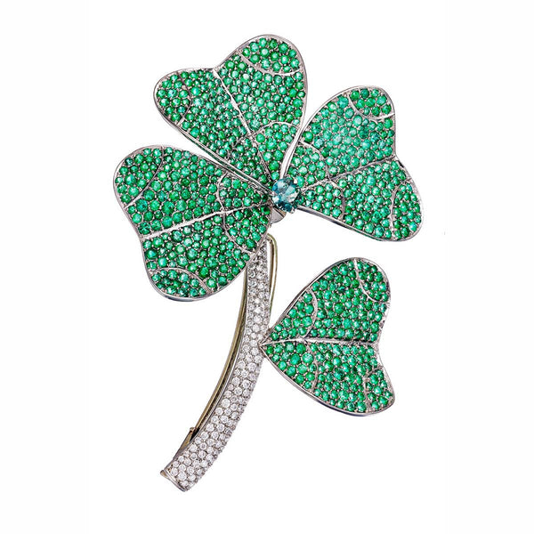AENEA QUADRIFOGLIO Collection Brooch White Gold, Palladium with White Diamonds and Emeralds
