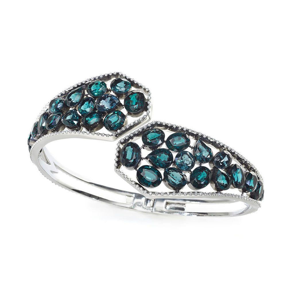 AENEA FLOW Collection Bangle Platinum with coclourchanging Spessardites and White Diamonds