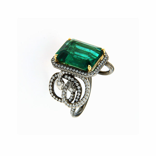 Ring octagonal Emerald 8.32Cts