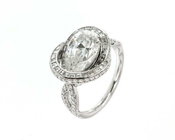 Ring Platinum with a pearshape Diamond D/IF 2,57ct. and White Diamonds