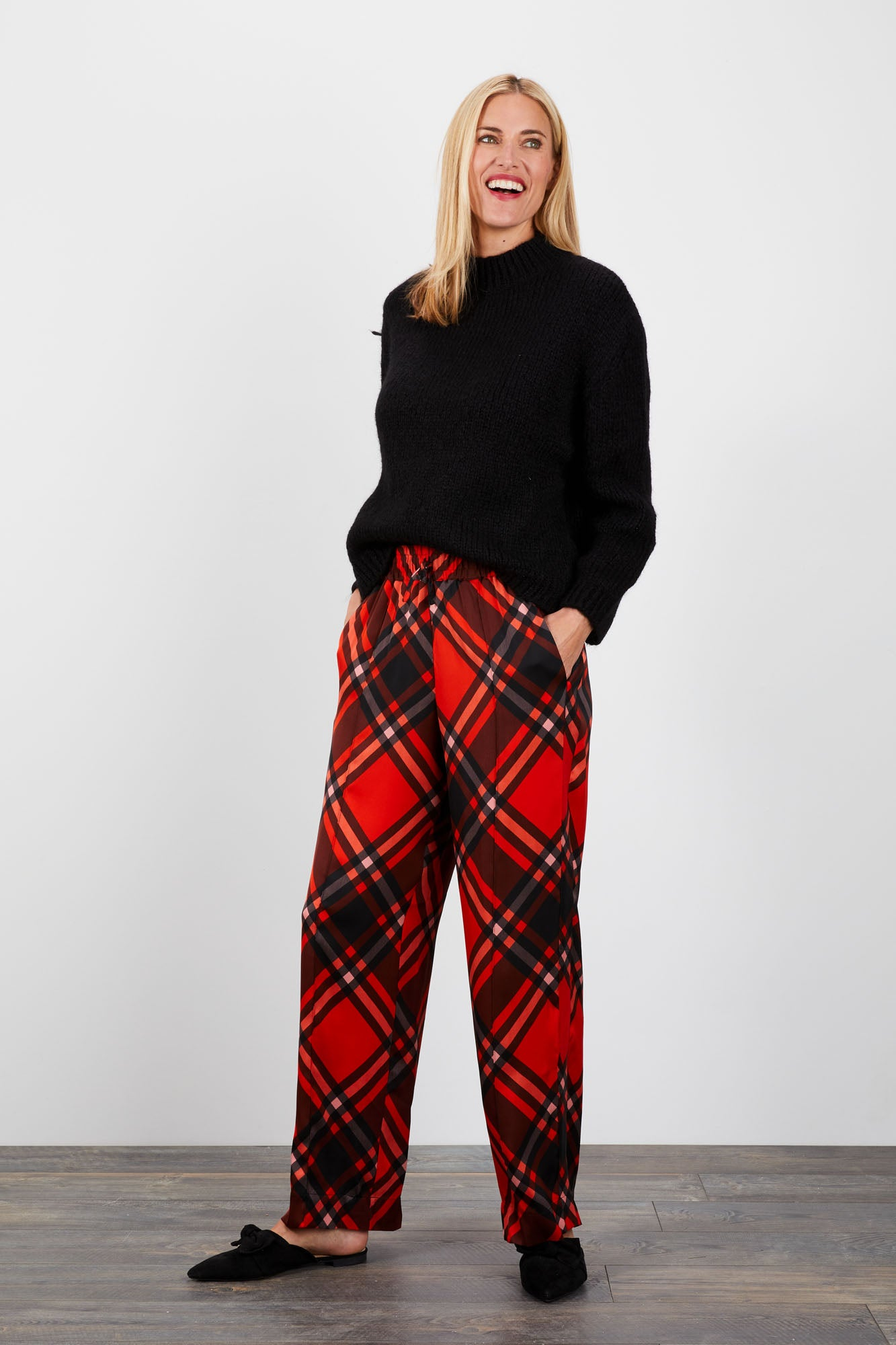 Camilla Pant | Mr Claus Plaid