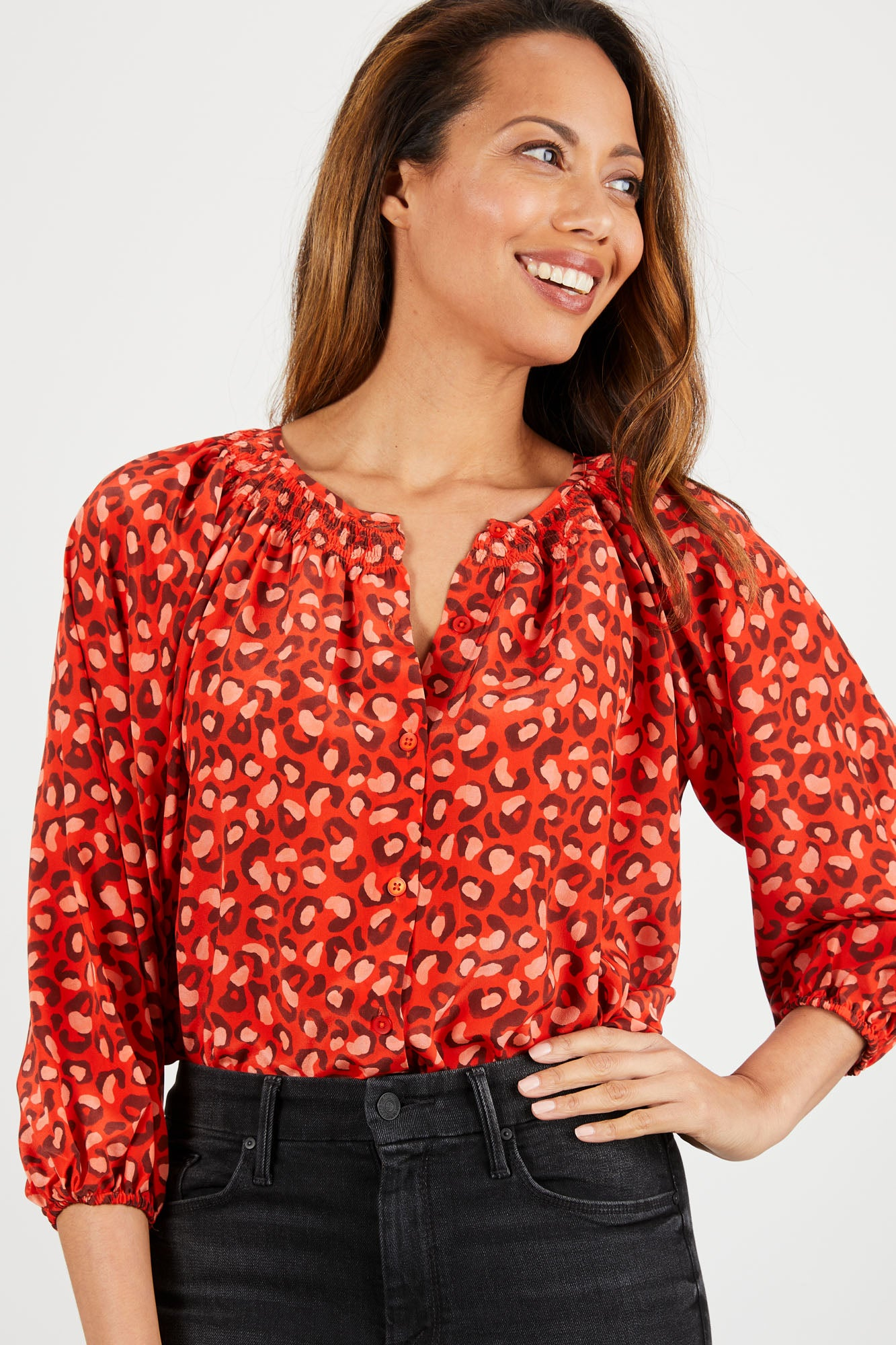 The Classic Blouse | Leo in Love