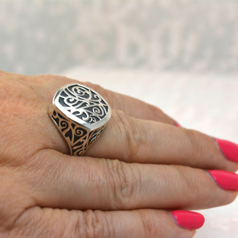 Signet Ring | Lisa Robin Jewelry