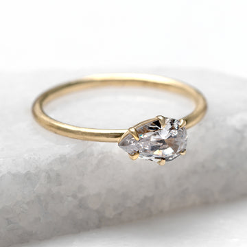 ENGAGEMENT RINGS HALO PEAR