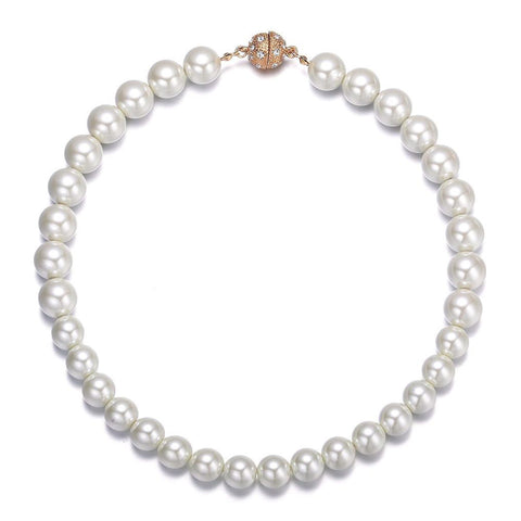 Bali: Pearl Necklace With Magna Clasp - Jewels to Jet