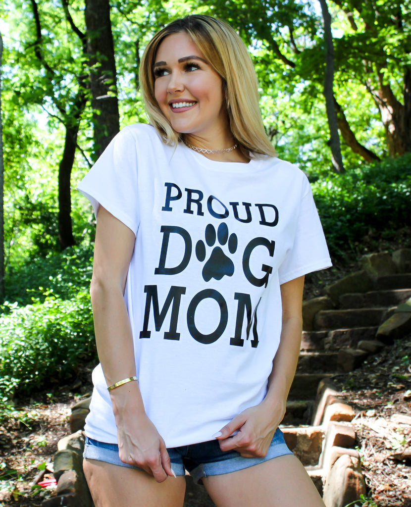 Proud Dog Mom Graphic Tee