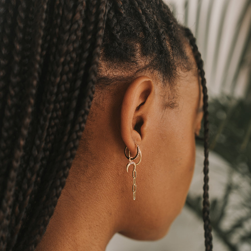 How to style box braids. How to show off your jewelry. How to layer on earrings. New affordable sustainable jewelry. Hypoallergenic and nickel free jewelry. Forever pieces.