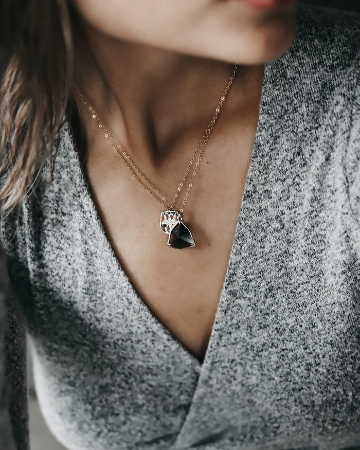 ELIZA STONE PENDANTS - Midnight Drew Drop