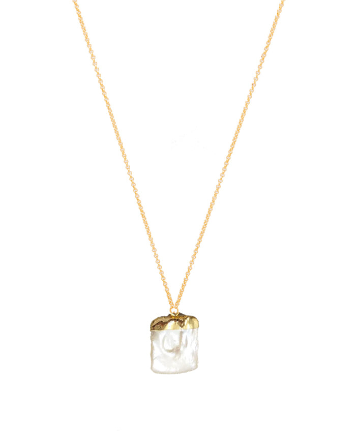 Aly pearl pendant necklace