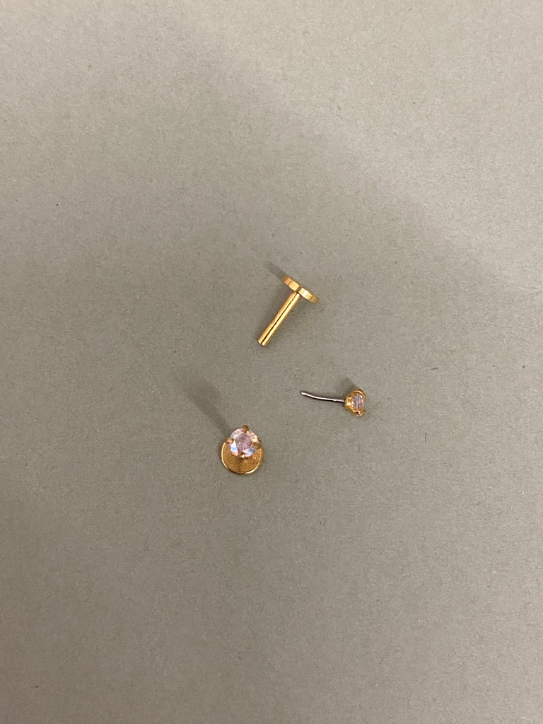 Single flat back gold with Iridescent Crystal Diamond